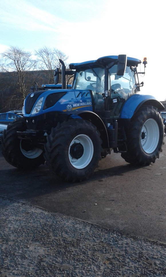 New Holland T7.210 Classic Tractor
