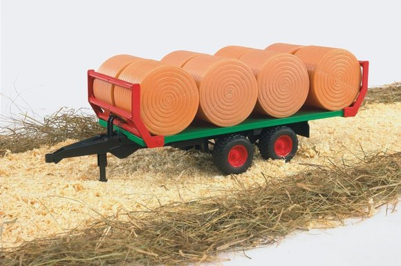 Trailer with bales